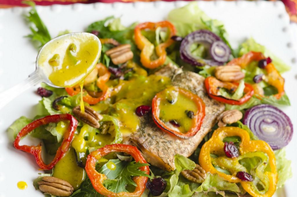 Dill Lemon Salmon Roasted Pepper Salad