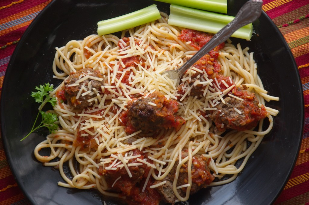 Delicious Spaghetti with Green Chilie Meatballs
